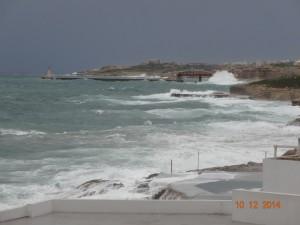 Sliema RIchtung Valletta ebenfalls bei Wellengang