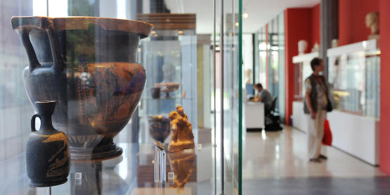 Amphora on display in the Archaeological Museum