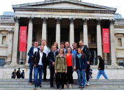 Die Exkursionsgruppe vor der National Gallery in London