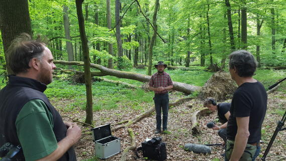 Michael Mayer and Roland Schockemöhle during work on the image film in the Lippspringer Forest