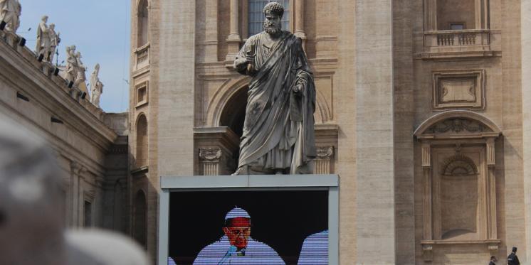 Ansprache von Papst Franziskus auf dem Petersplatz