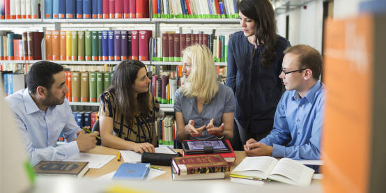 Vier Nachwuchswissenschaftler im Gespräch