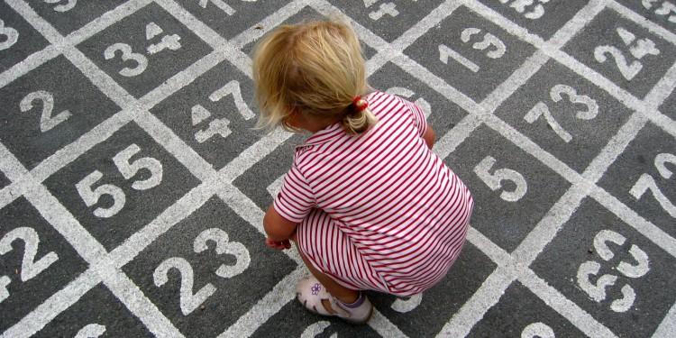 Für Kinder mit Rechenschwäche ist alles, was mit Zahlen zu tun hat, ein oft unlösbares Rätsel.