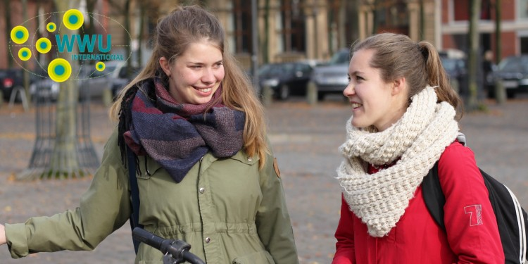 What&#039;s often on the agenda whenever medical student Johanna (l.) and Swedish exchange student Emelie (doing Business Studies) get together, is the next culinary delight ...<address>© WWU - Friederike Stecklum</address>