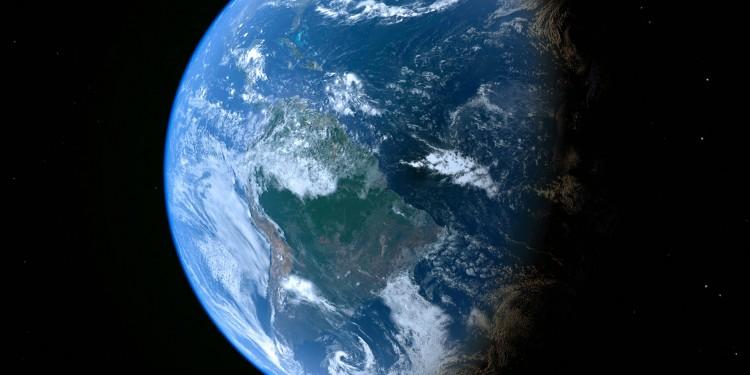 Die Erde – die Arbeit der Forscher hat weitreichende Folgen für das Verständnis ihrer Entstehung, Zusammensetzung und geologischen Entwicklung.<address>&copy; colourbox.de</address>