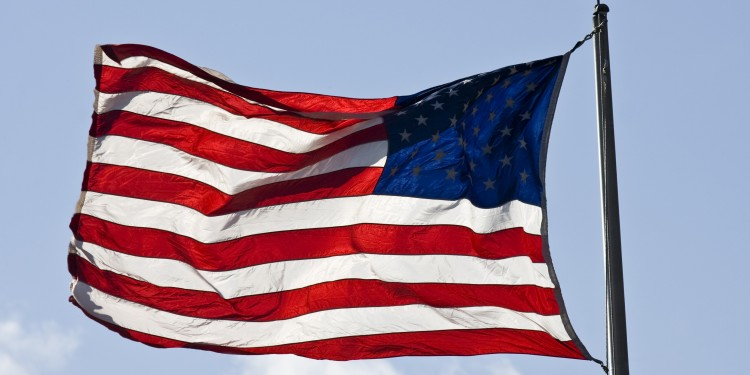 USA-Flagge im Sturm<address>&copy; colourbox.de</address>