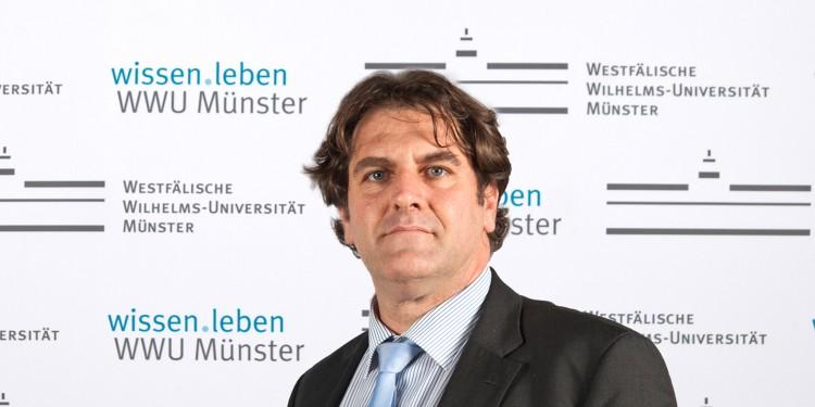 Prof. Dr. Andreas Löschel<address>&copy; WWU - Laura Grahn</address>