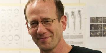 Univ.-Prof. PhD Erez Raz, CiM-Gruppenleiter im Institut für Zellbiologie<address>&copy; CiM - Michael Kuhlmann</address>