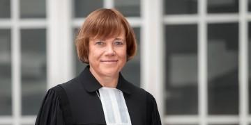 Theologische Ehrendoktorwürde für Präses Annette Kurschus: Feierstunde am 28. Januar / Fakultät lobt Verdienste für Dialog zwischen Religion und Gesellschaft