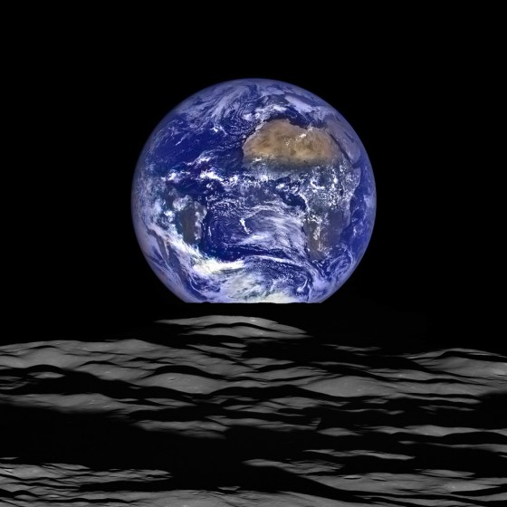 The rising Earth from the perspective of the moon<address>© NASA Goddard</address>