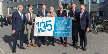 MEET Battery Research Center and Helmholtz Institute Münster celebrate 10plus5 years: 150 guests visit Double Jubilee / Umbrella for Battery Research in Münster