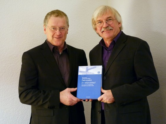 Prof. Klaus Boers (left), Director of the Institute of Criminology at Münster University, and Prof. Jost Reinecke, a sociologist at the University of Bielefeld, worked for almost 20 years on the study of crime amongst young people.<address>© Privat</address>