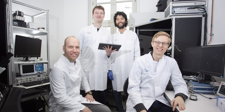 From left to right: Dr. Matthias Kiel (biologist), Sebastian Thiele (PhD student in computer science), Samuel Young (PhD student in biology) und Lars Haalck (PhD student in computer science). The team of four has acquired funding for a joint research project.<address>© WWU - Marie Monecke</address>