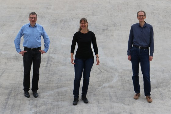 From left to right: astroparticle physicist Prof. Christian Weinheimer, geophysicist Prof. Christine Thomas and astroparticle physicist Prof. Alexander Kappes.<address>© private</address>